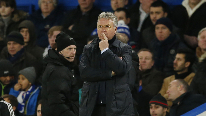 Guus Hiddink dirigint el Chelsea contra el West Broomwich Albion (Reuters)