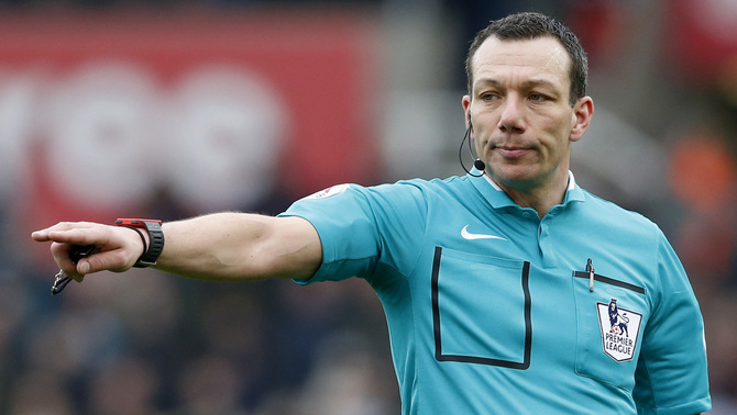 Kevin Friend arbitrarà, finalment, el partit Newcastle-Manchester City (Reuters)