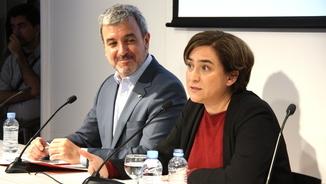 L'alcaldessa de Barcelona, Ada Colau, amb el líder del PSC Barcelona, Jaume Collboni