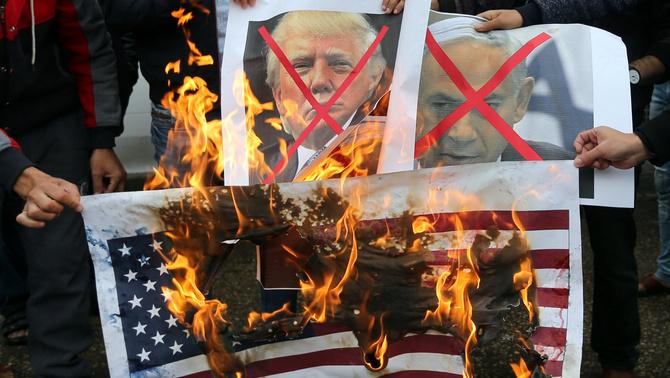 El món sencer retreu a Trump el reconeixement de Jerusalem com a capital d'Israel