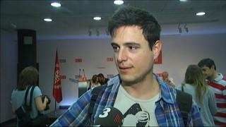 Els militants socialistes voten dividits i demanen reconstrucció i unitat