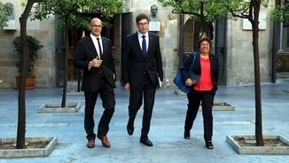 Romeva, Mundó i Bassa, al Pati dels Tarongers en la reunió del govern del 10 d'octubre (ACN)