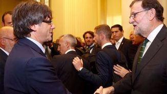 Moment de la trobada entre Puigdemont i Rajoy