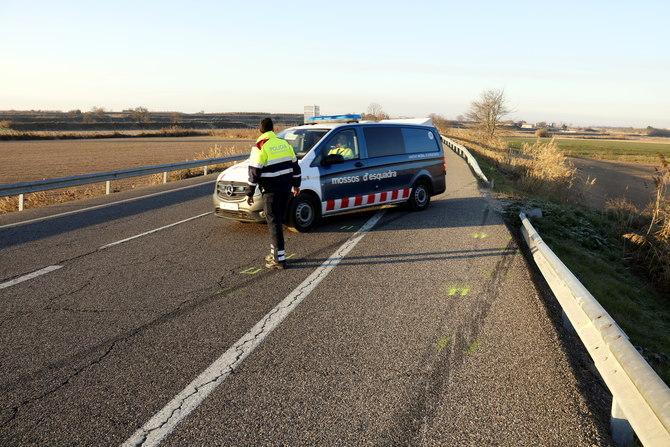 Un mort en una sortida de via a l'N-II a Castellnou de Seana