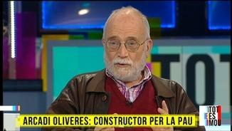 Arcadi Oliveres, Constructor per la Pau