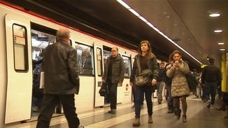 L'afluència de passatgers al metro ha baixat coincidint amb la primera vaga parcial