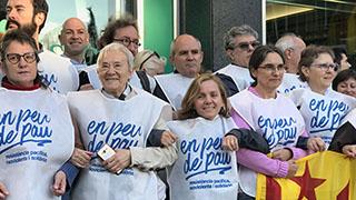 En Peu de Pau mostra el seu rebuig a la violència amb una concentració solidària a Catalunya Ràdio