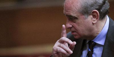 El ministre de l'Interior inclou al programa de reinserció de presos d'ETA les trobades entre víctimes i terroristes