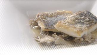 Lluç amb gírgoles de castanyer i oli d'avellana