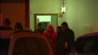 El fill del sospitós del crim de Susqueda, sortint de l'escorcoll a casa de la seva àvia
