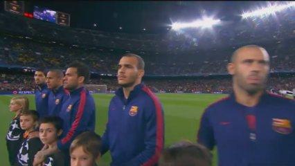 El Camp Nou xiula l'himne de la Champions