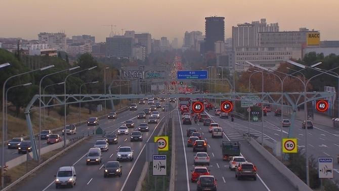 Barcelona es tancarà als vehicles més contaminants a partir del 2017