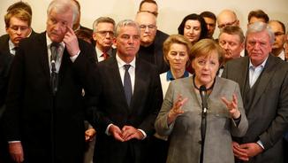 Angela Merkel compareix davant la premsa per anunciar el trencament de les converses amb els liberals per formar govern (Reuters)