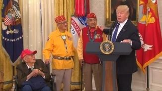 """Trump es refereix a una senadora com a """"Pocahontas"""""""