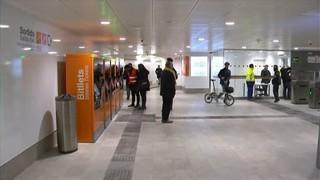 Tensió durant la inauguració de l'estació de Rodalies de Sabadell Centre