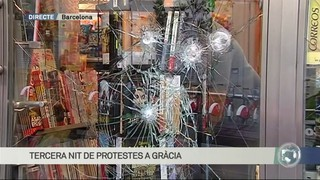 Així es desperta Gràcia després de tres nits de protestes