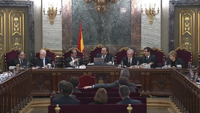 The shortest and most confusing sitting in the Catalan independence trial: 2 witnesses in 20 minutes