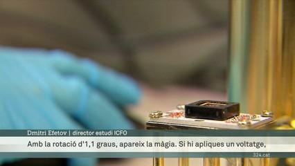 Un gir màgic del grafè li dona propietats noves i sorprenents com a superconductor electrònic
