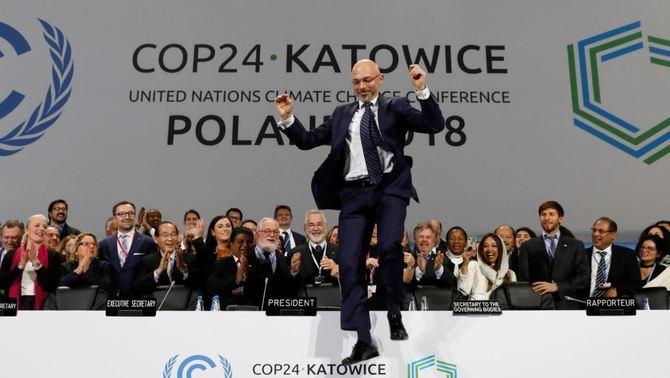 Els 200 països de la COP24 acorden un reglament de mínims contra el canvi climàtic