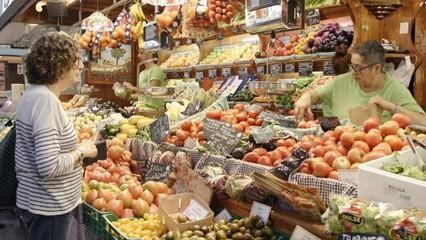 Els mercats de la Concepció de Barcelona, de la Masuca d'Igualada i municipal de Tortosa