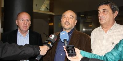 D'esquerra a dreta, Xavier Casas, de la UGT; Xesús González, de CCOO, i Lluís Blanco, de la Intersindical Alternativa de Catalunya. (Foto: ACN)