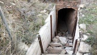 Voluntaris per recuperar les trinxeres de la Guerra Civil destrossades a Montgai