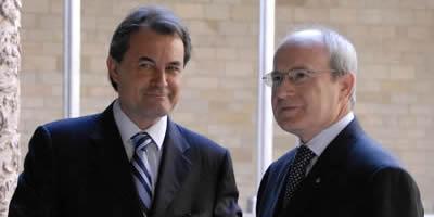 Montilla i Mas es reuneixen per escenificar l'acord que ha permès aprovar la LEC