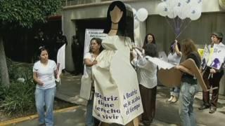 El govern salvadorenc permet finalment practicar un avortament induït a la jove malalta