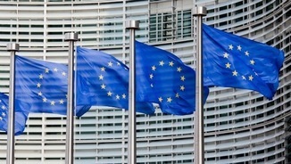 John Carlin i Josep M. Busqueta: Dins o fora de la Unió Europea?