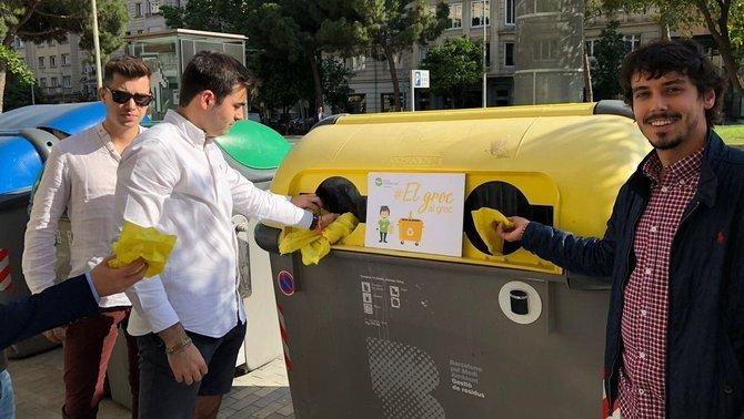 """""""El groc, al groc"""", la campanya dels joves del PP contra els llaços al carrer"""