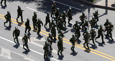 La policia xinesa evita nous enfrontaments entre les comunitats ètniques han i uigur