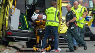 Massacre a Nova Zelanda per un atac terrorista a dues mesquites retransmès per xarxes socials