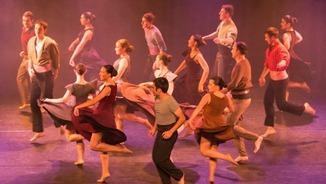 Promocionant la dansa d'arrel