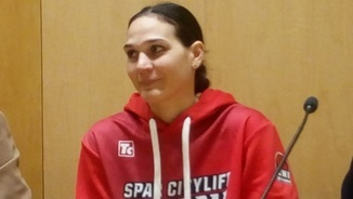 Sonja Petrovic ja exerceix