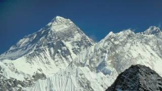 """Fa 25 anys pujaves a l'Everest comunicant-te en morse"""