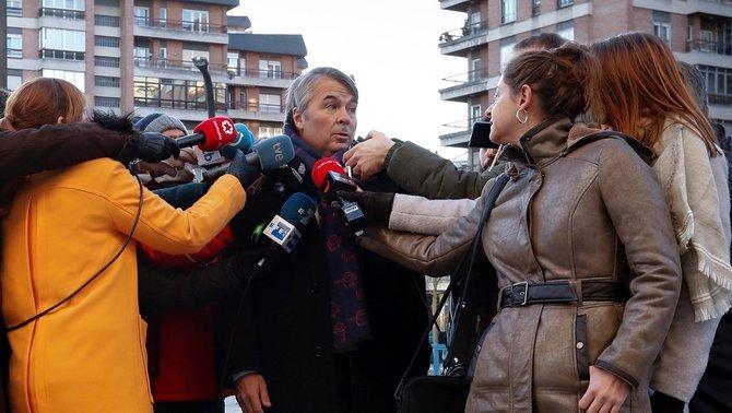"""Un advocat de La Manada acusa la noia d'haver-los denunciat """"per vergonya"""""""