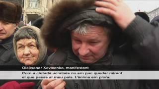 Ucraïna: una multitud es manifesta contra la llei que prohibeix manifestar-se