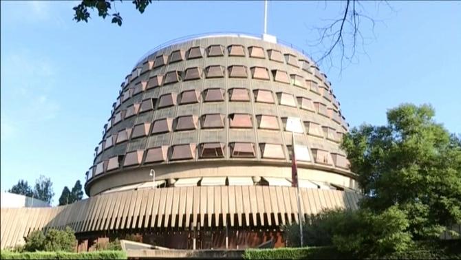 El Tribunal Constitucional suspèn el ple del Parlament de dilluns