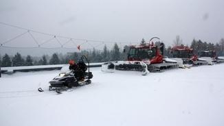 La nevada provoca incidències puntuals a zones urbanes i estacions d'esquí del Pirineu