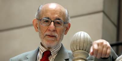 El lingüista Joan Solà, premi d'Honor de les Lletres Catalanes 2009