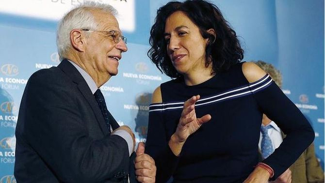 Irene Lozano with Josep Borrell in an event in Madrid on Wednesday (EFE)