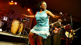 Sharon Jones, reina sense corona del soul (15)
