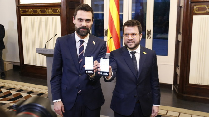 """Aragonès presenta al Parlament els pressupostos per """"dibuixar el futur del país"""""""