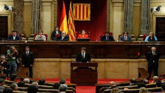 """Puigdemont: """"Assumeixo el mandat del poble perquè Catalunya esdevingui un estat independent"""""""