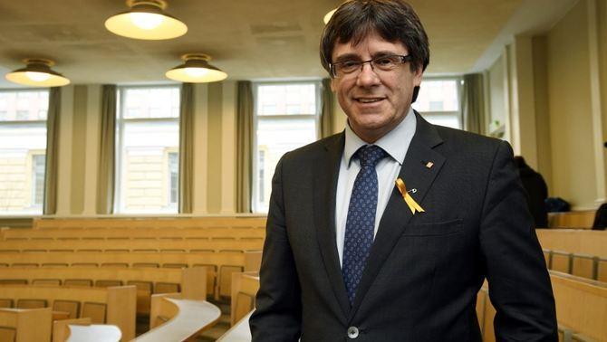 La fiscalia alemanya demana extradir Puigdemont i mentrestant mantenir-lo a presó