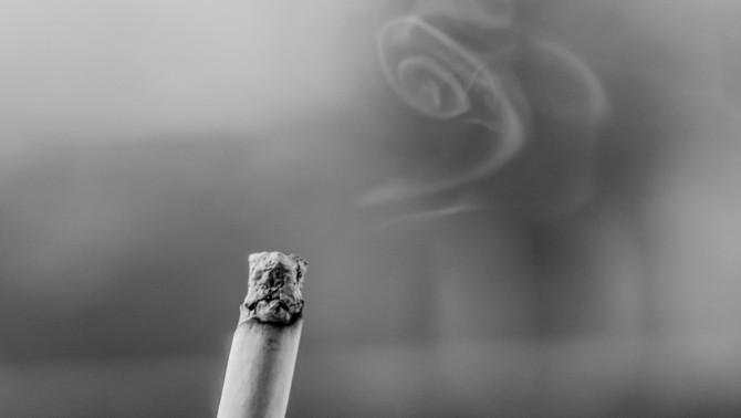 El nombre de fumadors habituals puja fins a nivells de fa 20 anys