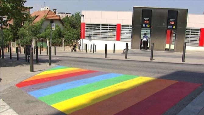Presenten la xarxa de municipis LGTBI de Catalunya en el Dia de l'Orgull Gai