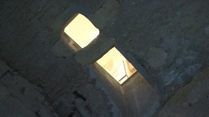 Entrem per primer cop en un refugi subterrani de Tarragona, que resumeix 20 segles d'història de la ciutat