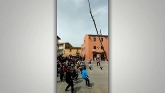 """Salvador Coll, alcalde de Cornellà del Terri: """"Ampliarem el radi de seguretat de l'Arbre de Maig"""""""