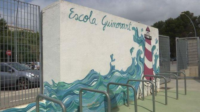 La meitat d'una escola de Castelldefels haurà de fer un 25% de les classes en castellà